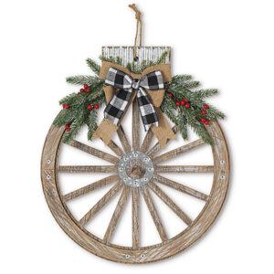ornament-shaped wagon wheel wreath